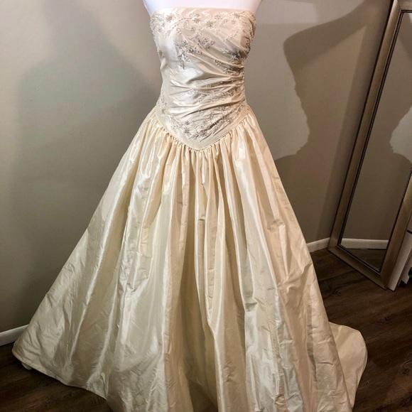Demetrios Dresses | Weekend Offer Breathtaking Wedding Gown | Poshmark